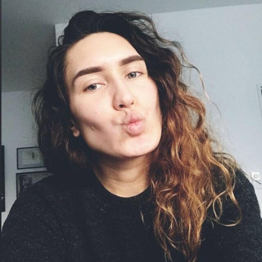 Мила, 19, хочет познакомиться, в г.Ceska