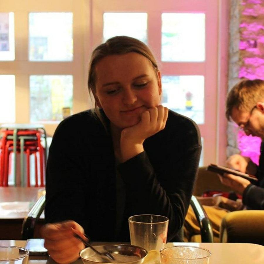 Мира, 19, хочет познакомиться, в г.Бат-Ям